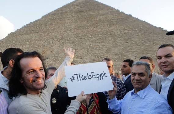Yanni-حفلة-يانى-مصر-الأهرامات-2